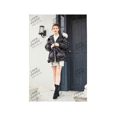 金蝶茜妮品牌女装开店抓住冬季市场回暖期!