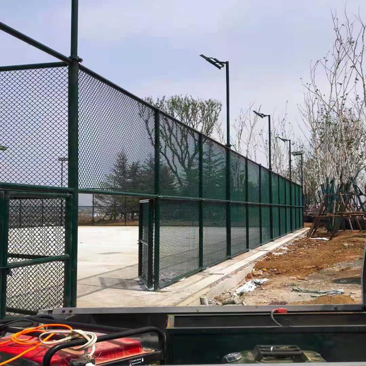 台州新建篮球场围网 足球场围网 运动场围网生产安装