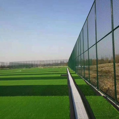 大同铁丝围栏网 围栏网批发 球场护栏安装